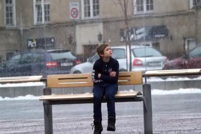 enfant dans le froid