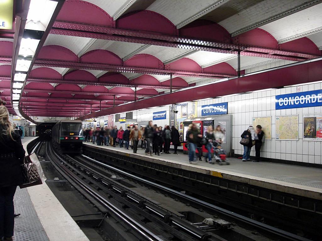 Metro_de_Paris_-_Ligne_1_-_Concorde_03