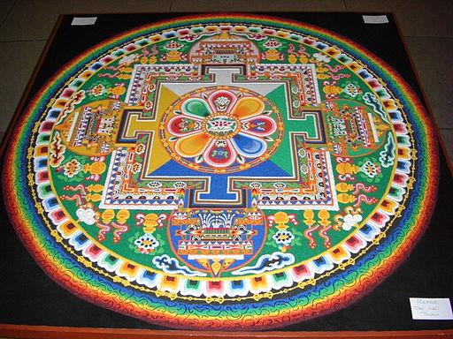 Mandala de sable créé à la Chambre des communes du Royaume-Uni à l'occasion de la visite du Dalaï Lama mai 2008 By The original uploader was Colonel Warden at English Wikipedia