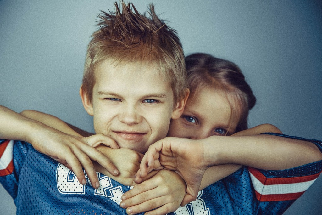 brothers-and-sisters-692822_1280