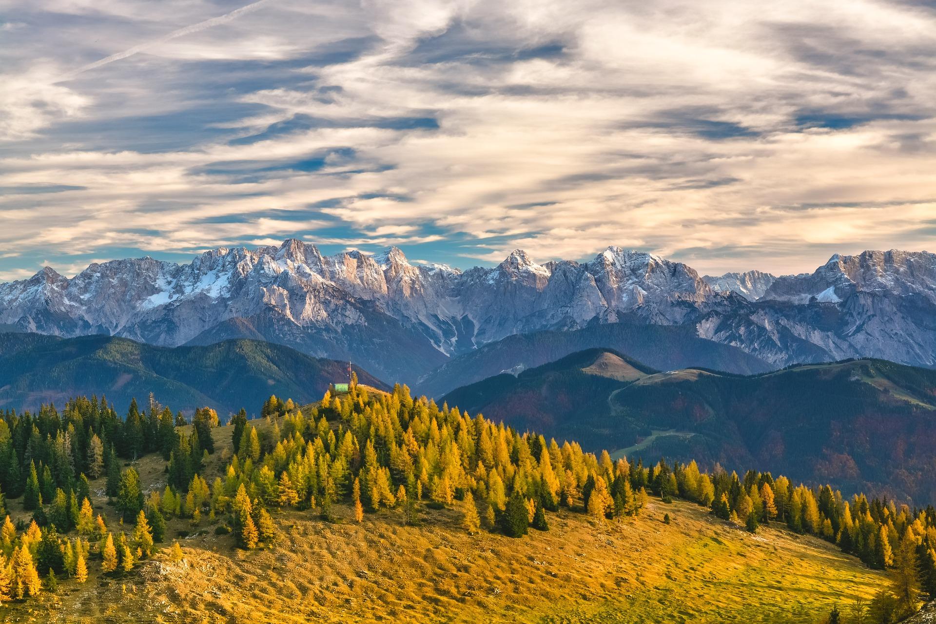 mountain-1244132_1920