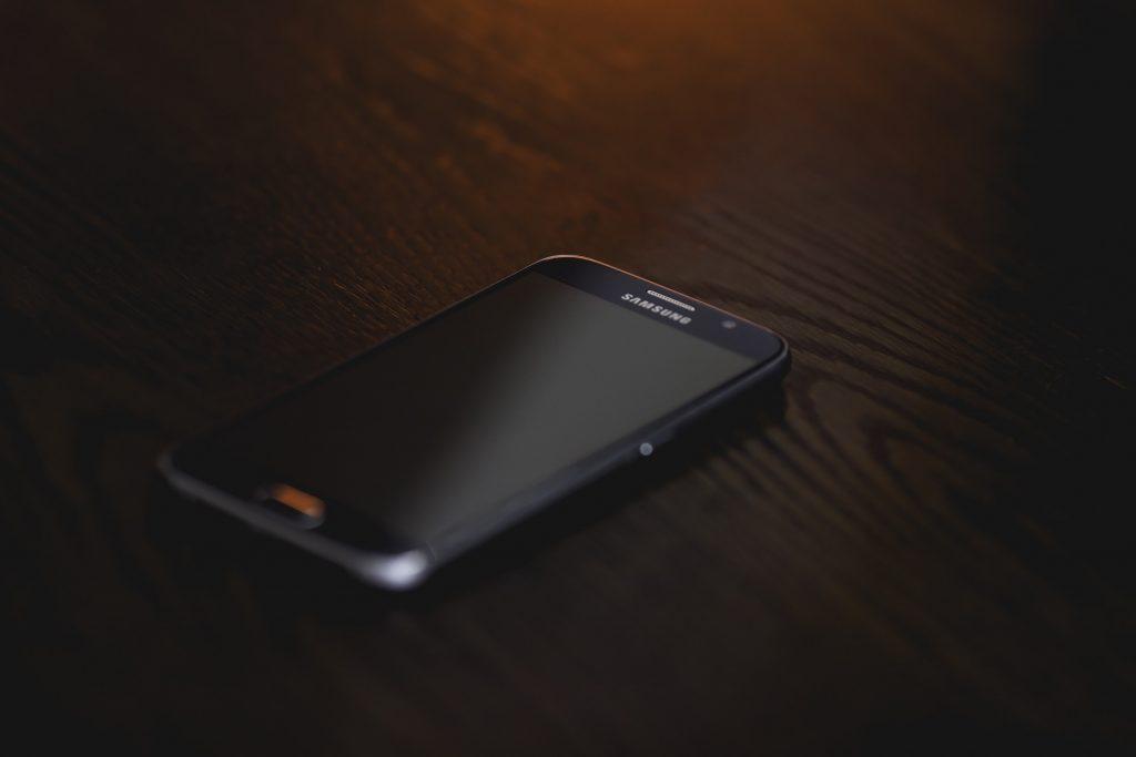 smartphone-1284356_1920